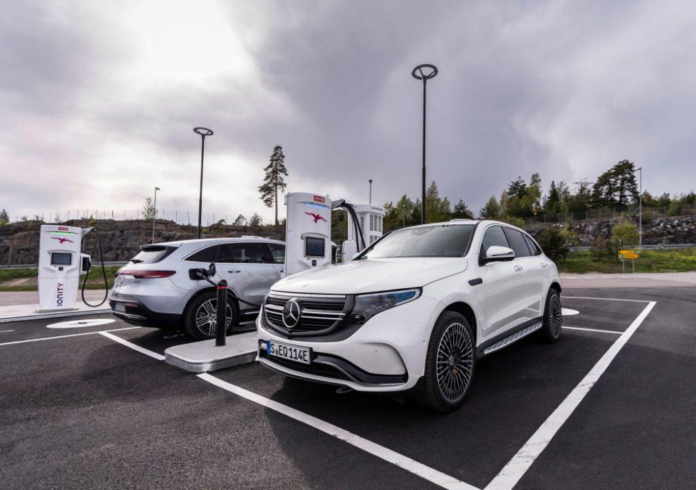 Mercedes-Benz EQC an der Ladesäule