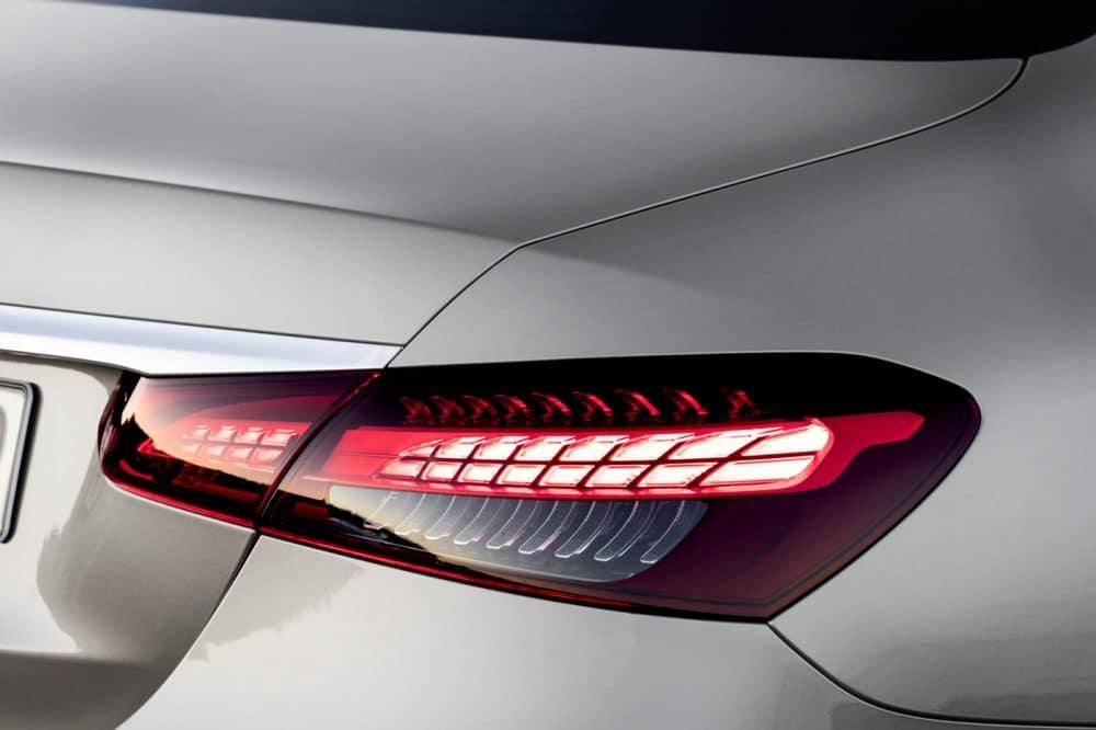 Mercedes E-Klasse MoPf 2020 zweigeteilte Heckleuchten