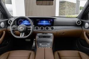 Mercedes E-Klasse MoPf 2020 Interieur AMG Line
