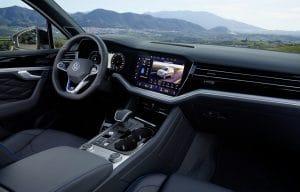 Volkswagen Touareg R interieur cockpit