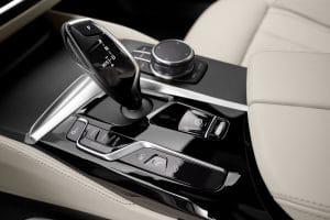 schalter-interieur-bmw-5er-facelift-2020