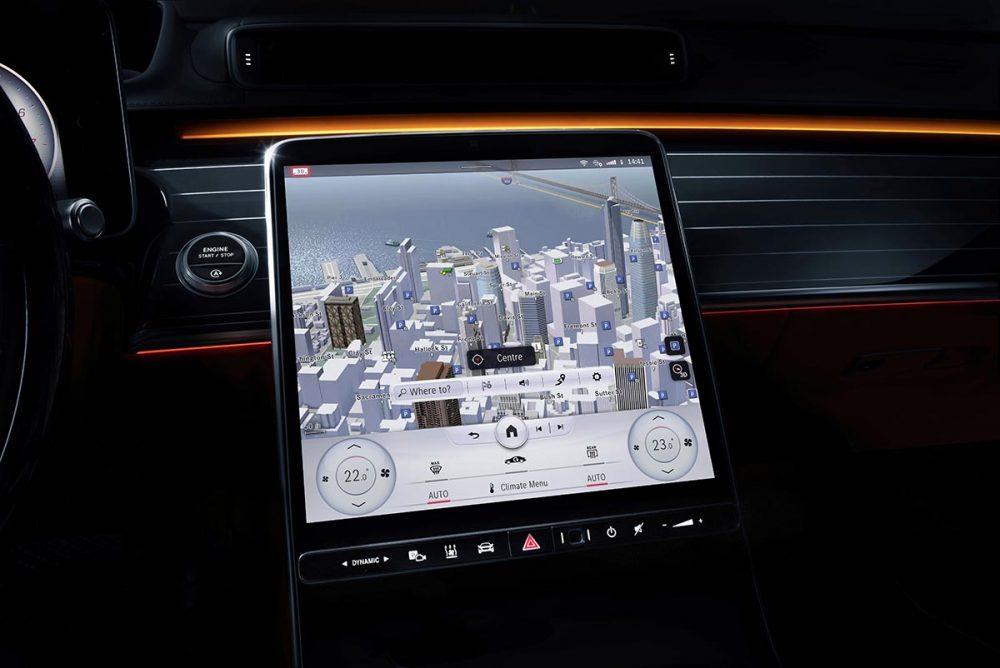 Mercedes überzeugt im Vergleich zu Tesla mit Ergonomie